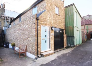 Thumbnail 2 bedroom cottage to rent in Victoria Road, Buckhurst Hill