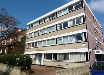 1 bed flat to rent in Cambridge Road, London E11