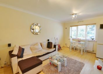 Thumbnail 1 bed flat to rent in The Avenue, Northwood