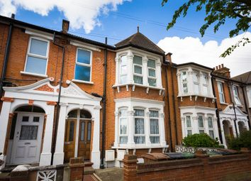 Thumbnail 3 bedroom flat for sale in Essex Road, London