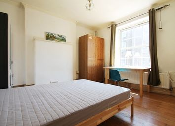 Thumbnail 3 bedroom flat to rent in Bath Terrace, Borough