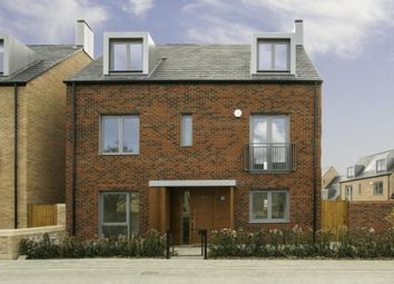 Thumbnail 5 bedroom detached house to rent in Proctor Drive, Trumpington, Cambridge