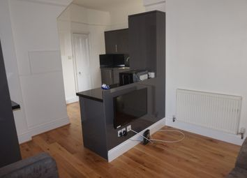 Thumbnail 5 bed town house to rent in Restormel Terrace, Near The Uni Gym, Plymouth