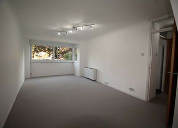 New Wanstead Road, Wanstead, London E11. 2 bed flat