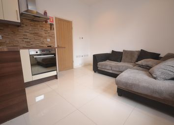 Thumbnail 1 bed flat to rent in Carey Street, Reading