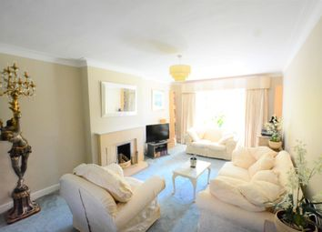 Thumbnail 2 bed flat to rent in Furze Hill, Brighton