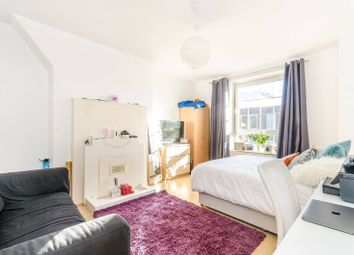 Thumbnail 2 bedroom flat for sale in Long Lane, Borough
