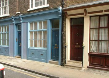 Thumbnail 1 bed flat to rent in Middle Street, West Smithfield, London