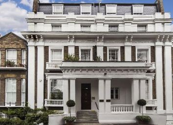 Thumbnail 1 bed flat to rent in Ladbroke Road, London