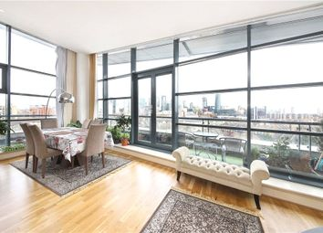 Thumbnail 3 bed flat to rent in Galaxy Building, Crews Street, Canary Wharf, London