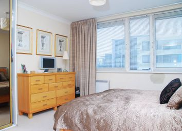 Thumbnail 2 bedroom flat to rent in Boardwalk Place, Canary Wharf