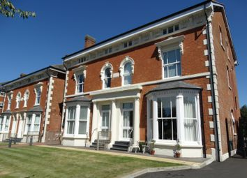 2 bed flat for sale in Warwick Road, Solihull B92