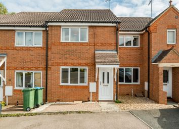 2 bed terraced house to rent in Clover End, Buckingham MK18