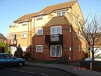 2 bed flat to rent in Tonnelier Road, Dunkirk, Nottingham NG7