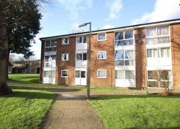 Thumbnail 2 bed flat to rent in Chalfont Close, Hemel Hempstead