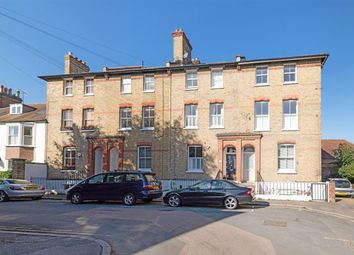 3 bed town house to rent in Homefield Road, London SW19