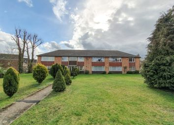 Thumbnail 2 bedroom flat to rent in Bakers Lane, Lingfield