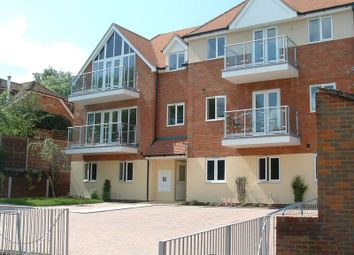 Thumbnail 2 bed flat to rent in Bassetsbury Lane, High Wycombe