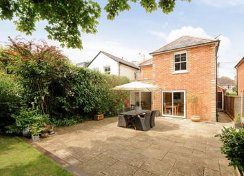 Thumbnail 3 bedroom detached house to rent in New Road, Ascot