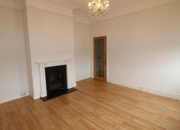 2 bed maisonette to rent in Meadfield Road, Langley, Slough SL3
