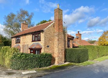 Thumbnail 3 bed cottage for sale in Woodhill Road, Collingham, Newark