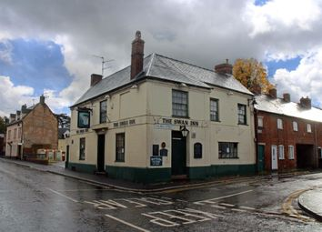 Thumbnail Pub/bar for sale in Swan Inn, Evesham, Worcestershire WR11, Worcestershire