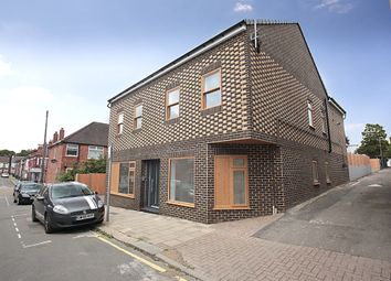 Thumbnail 3 bed flat for sale in William Street, Luton