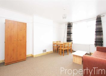 Thumbnail 1 bedroom flat to rent in Upsdell Avenue, Palmers Green, London