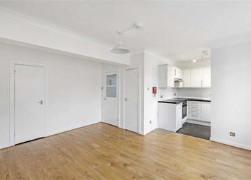 Thumbnail Studio to rent in Clapham High Street, London