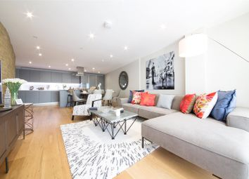 2 bed flat to rent in Marc Brunel House, Wapping High Street, London E1W