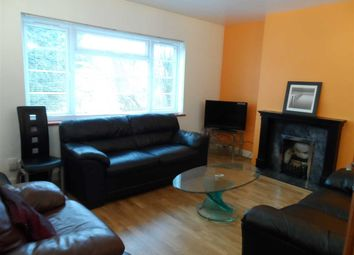 2 bed flat to rent in Sutherland House, Sutherland Road, West Ealing W13