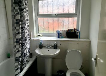 Thumbnail 3 bed shared accommodation to rent in St. Johns Close, Hyde Park, Leeds