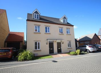 Thumbnail 3 bed town house to rent in Pontefract Road, Bicester