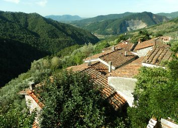 Thumbnail 3 bed town house for sale in Ombreglio, Lucca (Town), Lucca, Tuscany, Italy