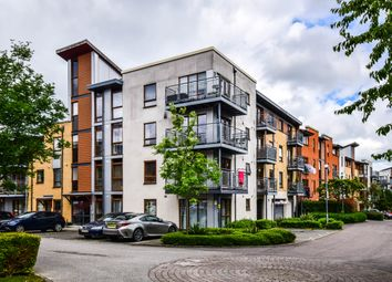Thumbnail Flat for sale in Commonwealth Drive, Crawley