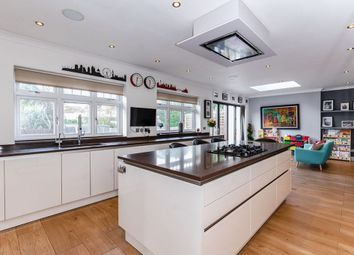 4 bed property for sale in Maxwelton Avenue, London NW7