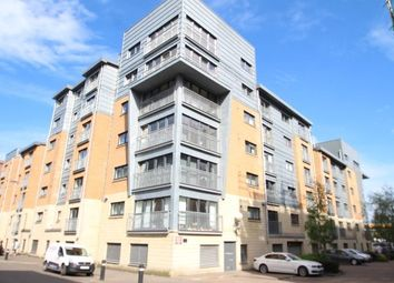2 bed flat to rent in Barrland Street, Glasgow G41
