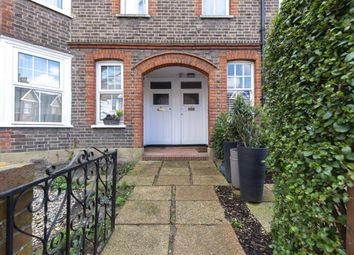 2 bed maisonette to rent in Panmuir Road, London SW20
