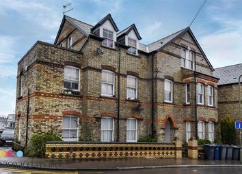 Thumbnail 2 bedroom flat to rent in Park Road, High Barnet, London