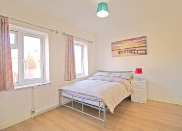 Thumbnail 1 bed flat to rent in Fenlake Road, Bedford
