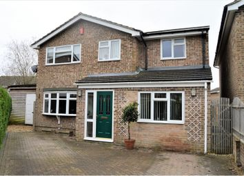 Thumbnail 4 bed detached house for sale in Mersey Way, Thatcham
