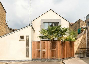 Thumbnail 4 bed detached house for sale in Solomon's Passage, London