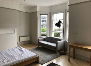 Thumbnail Studio to rent in Briarwood Road, Clapham Common, London