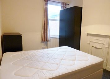 Thumbnail 1 bed property to rent in Kings Road, London