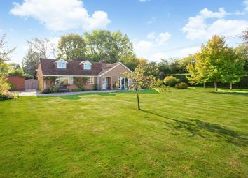 Union Lane, Kingsclere, Newbury, Hampshire RG20. 5 bed detached house