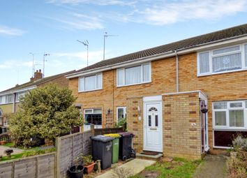 2 bed flat to rent in Milton Close, Rayleigh, Essex SS6