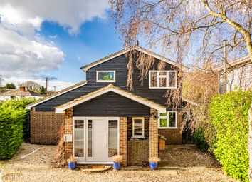 1 Wayside Green, Woodcote RG8. 3 bed detached house for sale