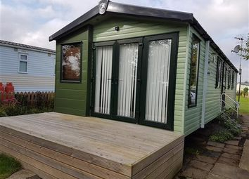 Thumbnail 2 bedroom mobile/park home for sale in Mill Lane, Cogenhoe, Northampton