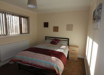 Thumbnail Room to rent in Walsall Road, Darlaston, Wednesbury
