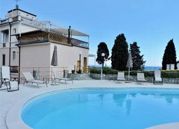 Thumbnail 4 bed apartment for sale in Belvedere, Rapallo, Liguria, Italy